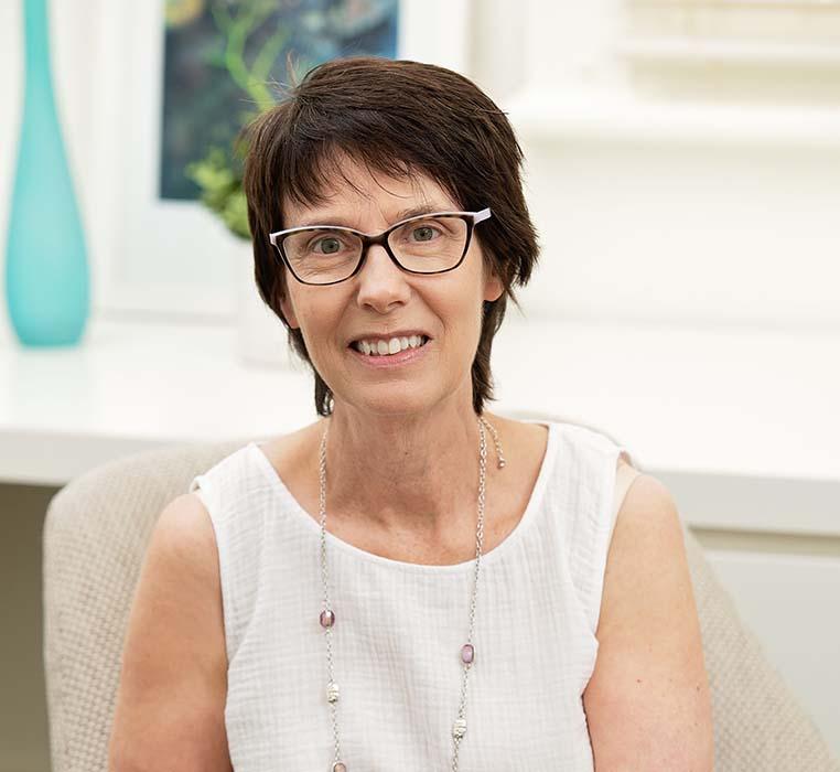 Dr Jenni Pearce